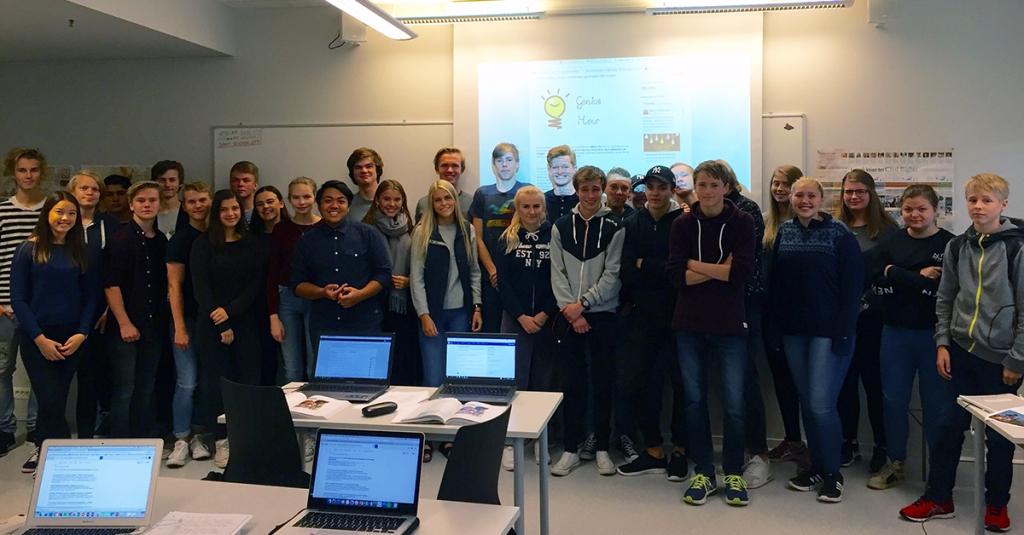 Bildet viser elever ved Nannestad videregående skole som skal gjennomføre Genius Hour-opplegget i 2016/2017. Barbara Anna Zielonka har tatt dette bildet.