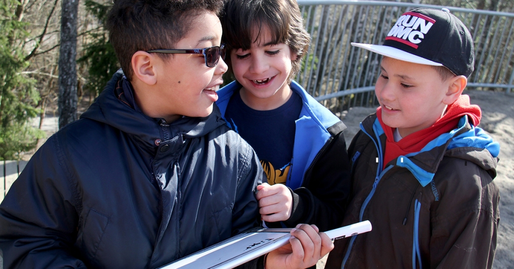Fysiske læringsaktiviteter på 2.trinn på Tiurleiken skole. (Foto: Heidi M. Skjebstad)